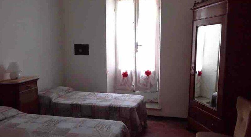 Splendida casa, holiday rental in Cisano sul Neva