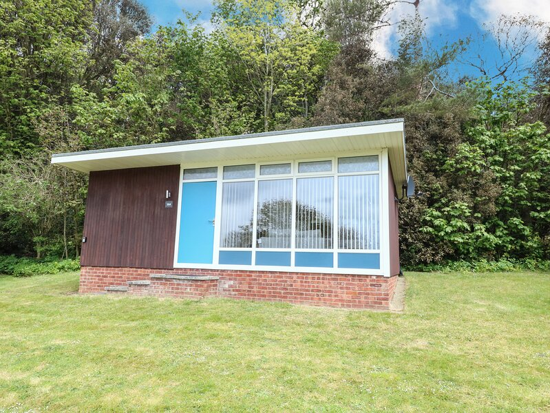 Chalet 126a, Cromer, holiday rental in Roughton