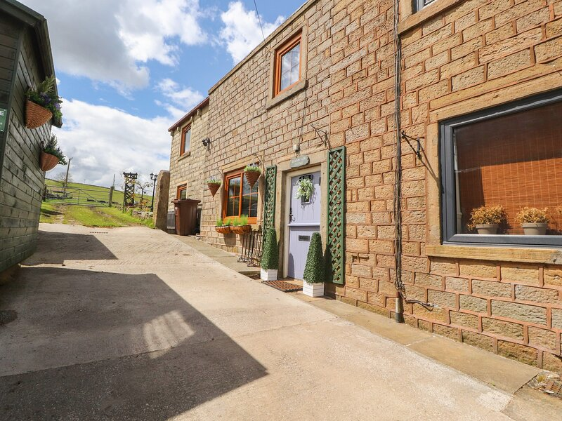 Meadow View Cottage, Trawden, holiday rental in Fence