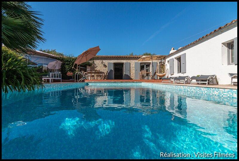 Villa de charme avec piscine, verger, potager et solarium, holiday rental in Rivedoux-Plage