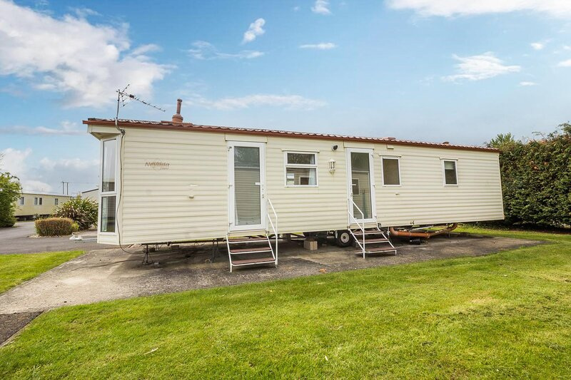 Lovely 6 berth caravan at Southview Holiday Park in Skegness ref 33024W, aluguéis de temporada em Burgh le Marsh