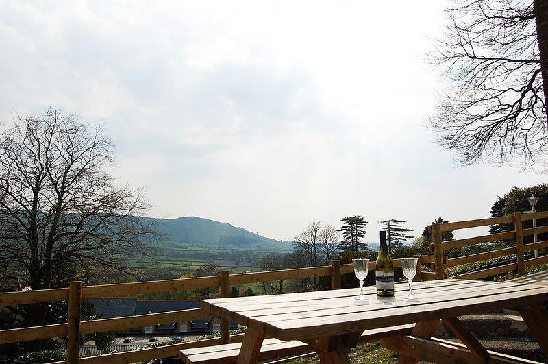 Chalet 42 At The Woodlands With Gorgeous Rural Views, aluguéis de temporada em Tywyn