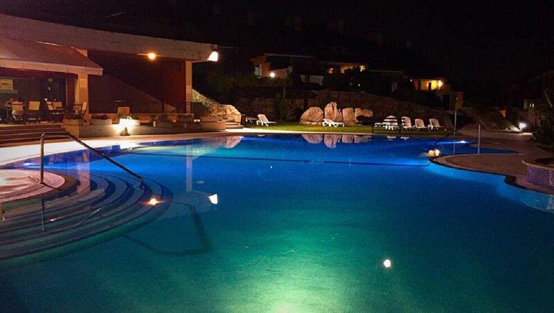 ESPECTACULAR CHALET RAEIROS O GROVE, holiday rental in O Grove