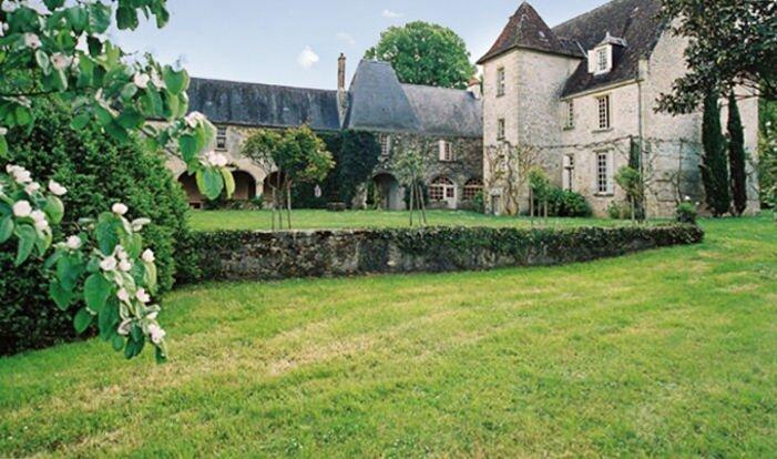 Amazing villa with swimming-pool, holiday rental in Issoudun