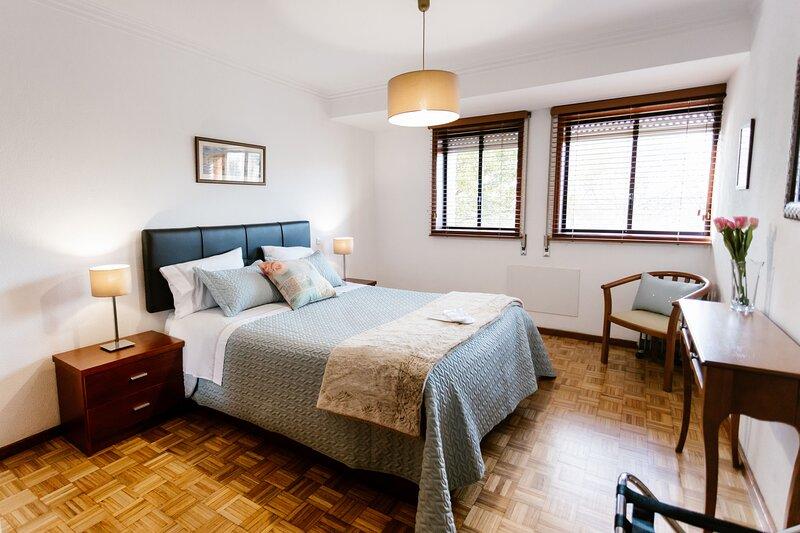 Castle Apartment [City Center], vacation rental in Felgueiras