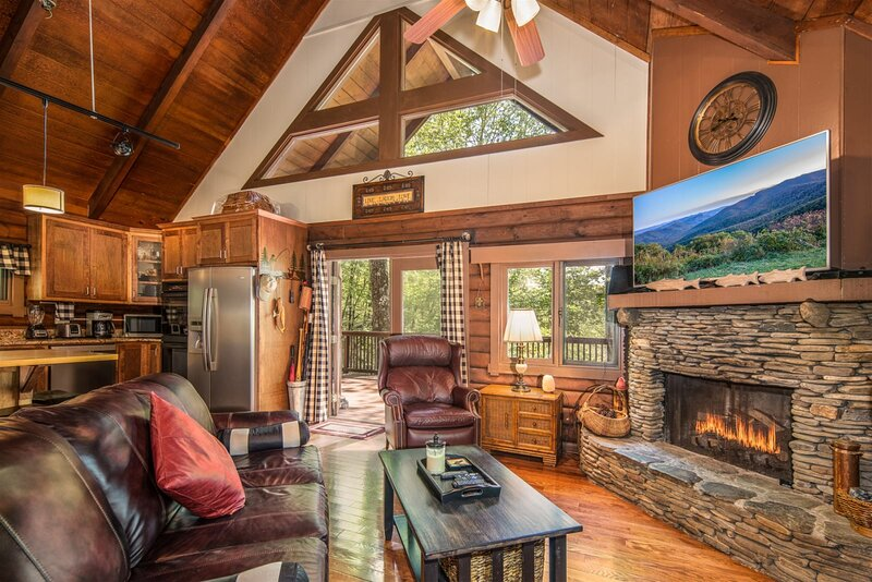 Trout House in Connestee Falls, vacation rental in Rosman