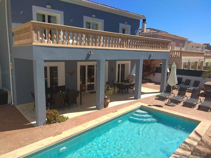 Villa Maria in Cala Murada: Pool + Whirlpool, Beach in 500m - WiFi, alquiler de vacaciones en Cala Murada