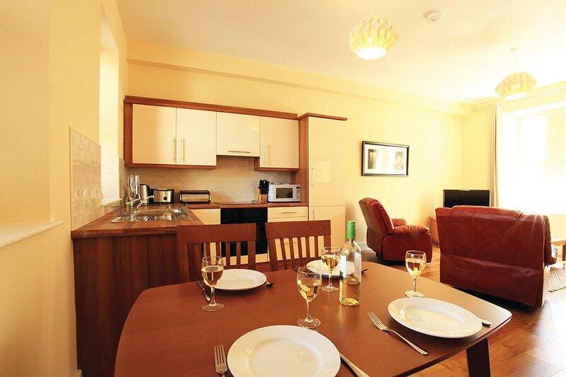 2 bed Apartment - Leabhar Beag, vacation rental in Kilgarvan