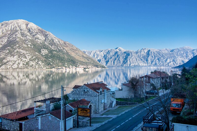 Brkovic Villa Sleeps 8 with Pool and Air Con - 5835399, holiday rental in Kamenari