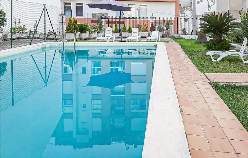 Beautiful home in Pego with Outdoor swimming pool, WiFi and 3 Bedrooms (EBI428), location de vacances à Vall de Gallinera