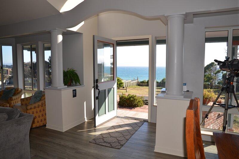 Hilton House in Gualala with Ocean Views, alquiler de vacaciones en Gualala