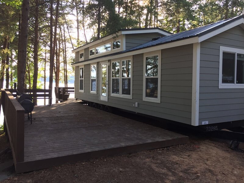 Lakefront Two Bedroom Cabin #14 at Long Cove Resort with Two Porches, holiday rental in Clover