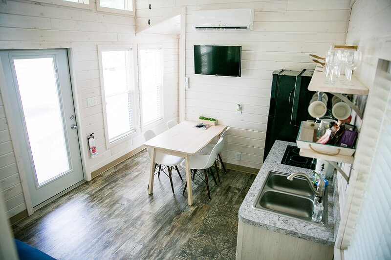 Waterfront Two Bedroom Cabin #18 on the lake at Long Cove Resort - Flexible, vacation rental in Belmont