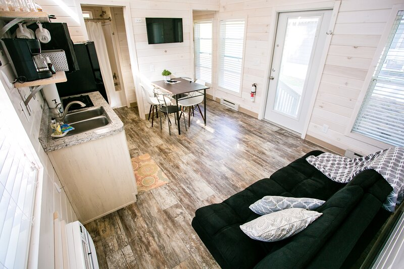 Waterview Family Style Two Bedroom Cabin #9 at Long Cove Resort - Flexible, vacation rental in Gastonia