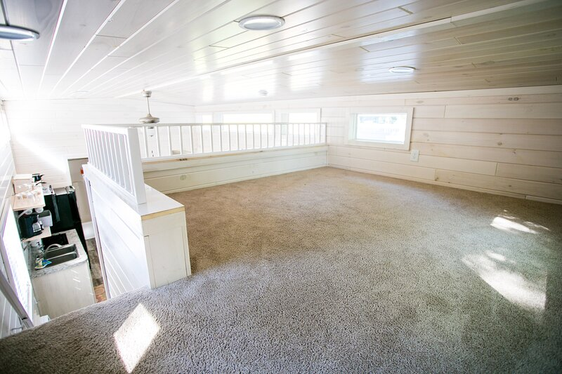 Waterview Family Style Two Bedroom Cabin #8 at Long Cove Resort, holiday rental in Clover