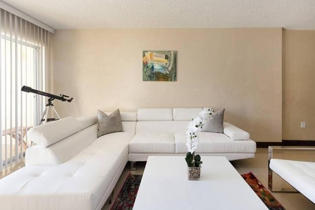 Excellent Marbella Tower Sunny Isles Beach - Near Shopping & Nightlife!, holiday rental in Ojus