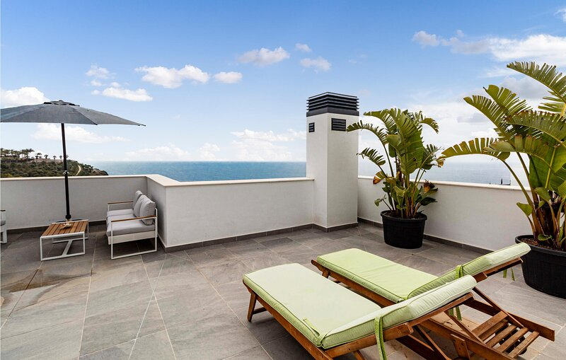 Awesome apartment in Granada with Outdoor swimming pool, WiFi and 3 Bedrooms (EA, holiday rental in Jete
