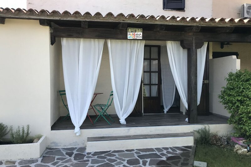 Romantic Vintage House Centre 2, holiday rental in Straulas