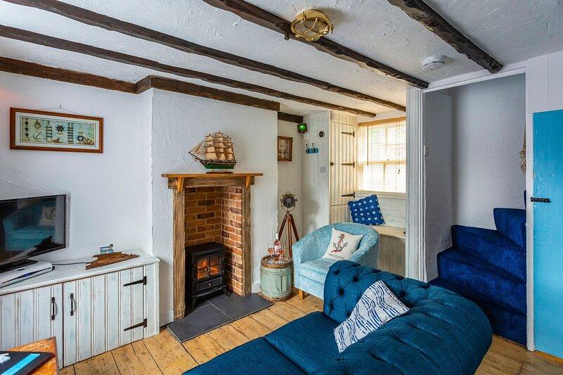 Smuggler's Cottage By The Sea. November Special Offers. Dog Friendly., aluguéis de temporada em Broadstairs