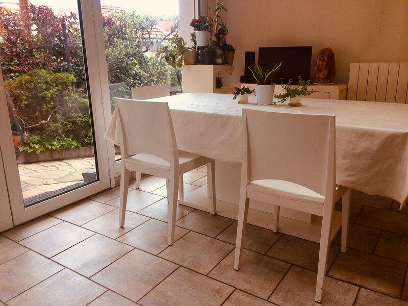 Amazing house with garden & Wifi, location de vacances à Colombey-les-Belles