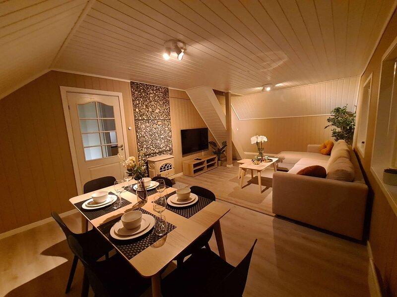 Lovely 3-bedroom Apartment Near City Center, location de vacances à Jorpeland