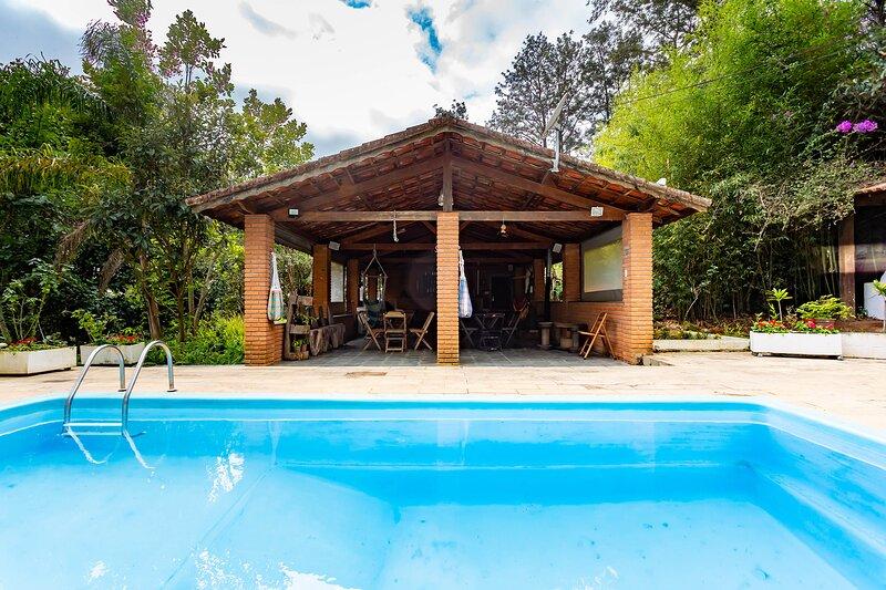 Mairiporã - chácara com Wi-Fi, piscina e churrasq, holiday rental in Campo Limpo Paulista