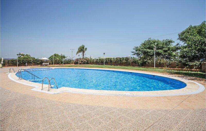 Nice apartment in Cabanes with Outdoor swimming pool and 2 Bedrooms (EBA220), alquiler de vacaciones en Cabanes