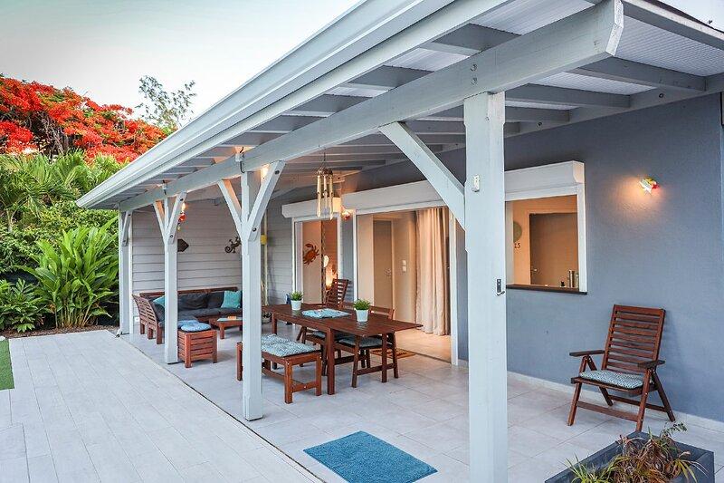 ARCHIPEL MAIMEO  LA CABOTTE / Villa de charme / Piscine/4-6 pers/ clim, vacation rental in Saint Francois