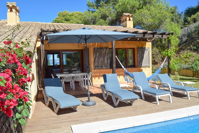 Villa with sea views. Located 600 meters from Platja del Racó-Begur., holiday rental in Platja de Sa Riera