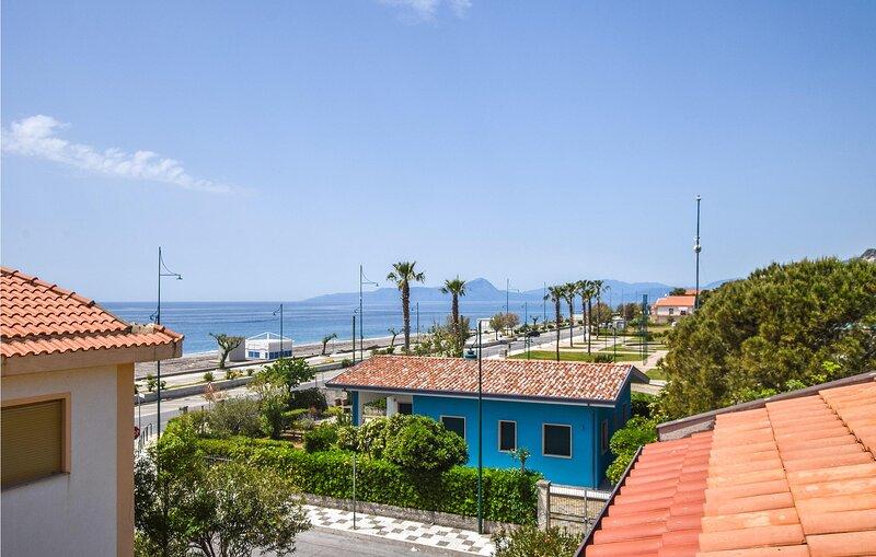 Awesome apartment in Tortora Marina with WiFi and 2 Bedrooms (IKK589), location de vacances à Tortora Marina