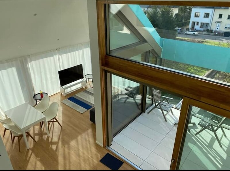 Modern Penthouse in Luxembourg Center. Large Terrace and Free Parking. Duplex, holiday rental in Apach