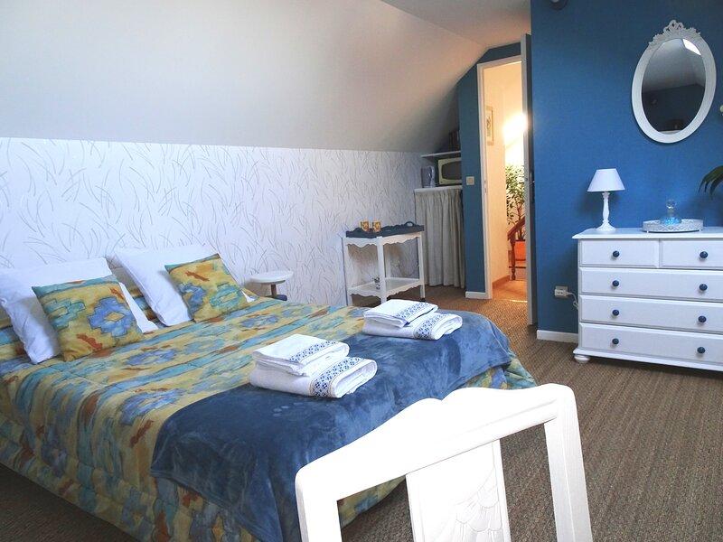 La Girouette B&B  -La Tranquillité aux portes de Dijon, holiday rental in Fontaine-Francaise