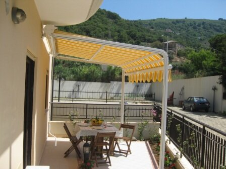 One bedroom apartment located in apartment Fioribello. Swimming pool and private, holiday rental in Soriano Calabro