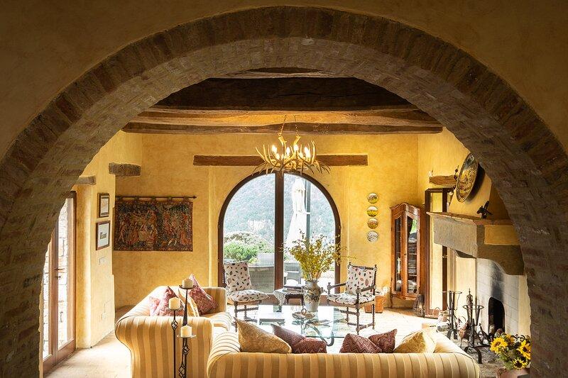 Wonderful large sitting room