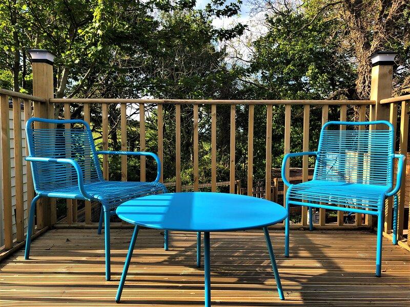 Unique 1+ bed Cabin, parking and private garden, casa vacanza a Heytesbury