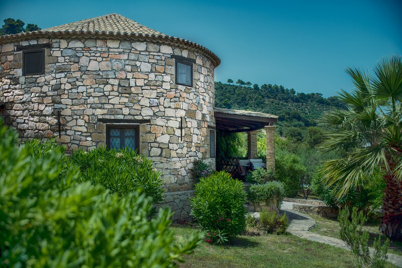 The Mill House - Armonia Complex, location de vacances à Ano Vasilikos