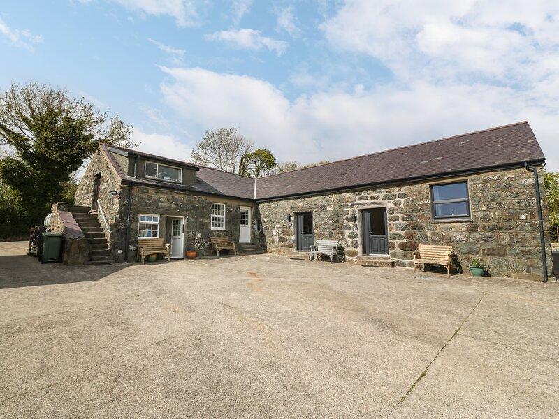 Tyddyn Sianel - Celyn, Criccieth, holiday rental in Llanystumdwy