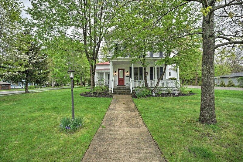 NEW! Historic Westfield Home: 2 Mi to Lake Erie!, location de vacances à Westfield