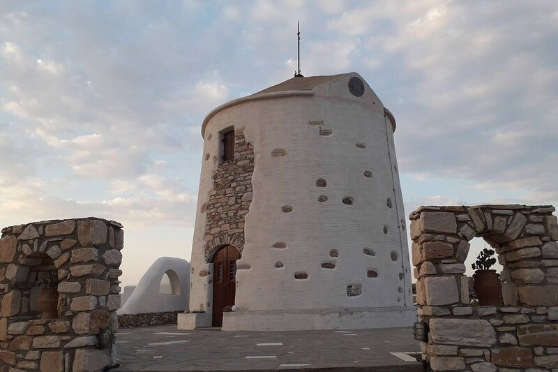 Stunning traditional Windmill Paros island, Greece, vacation rental in Lefkes