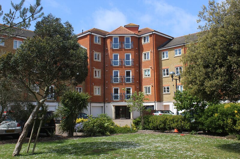 Dominica Court, holiday rental in Eastbourne