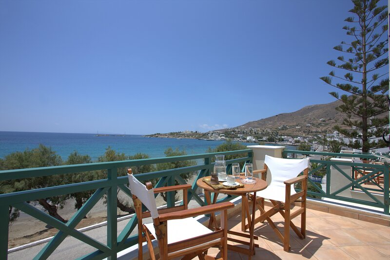 Hotel Brazzera - Habitación Triple Vista Mar, holiday rental in Galissas