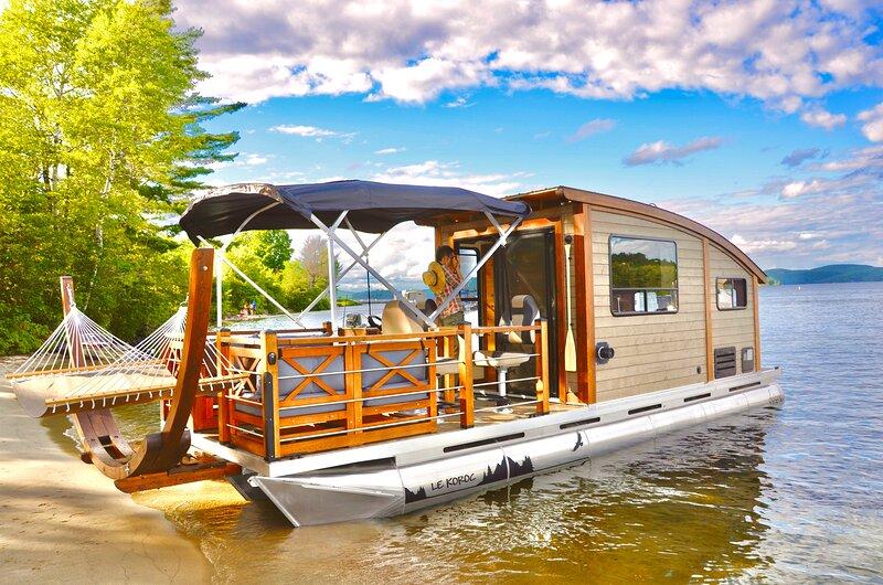 House Boat rental,Amazing sunsets, Montreal,Quebec, location de vacances à Lancaster
