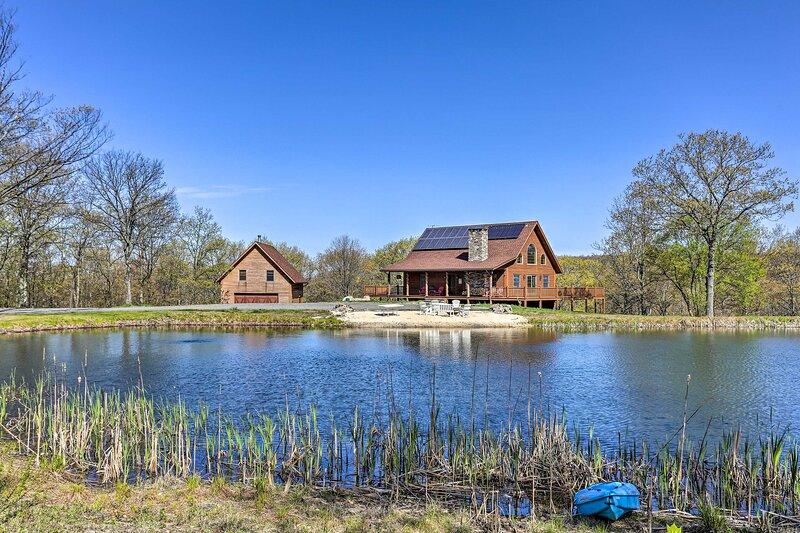 Poconos Family Fun - Ultimate Cabin Retreat!, vacation rental in Avoca