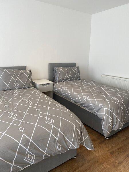 Large 3 bed House Sleep 10, casa vacanza a Kirkby