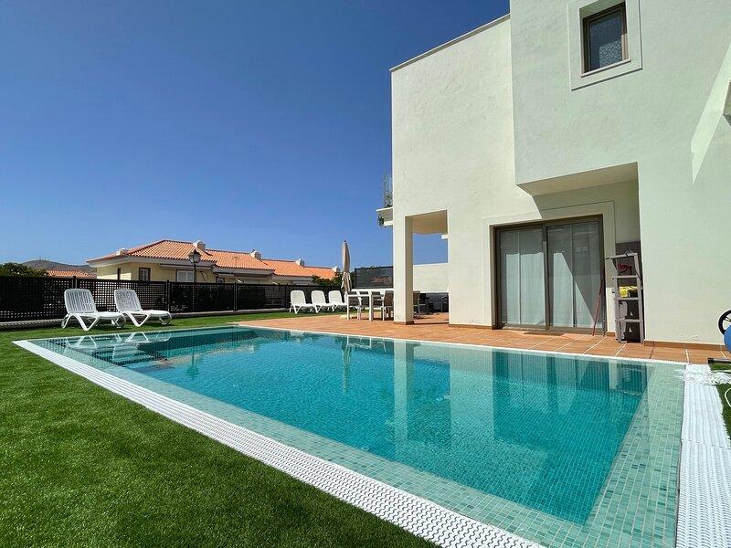 Villa Chayofa FREE WIFI, aluguéis de temporada em Arona