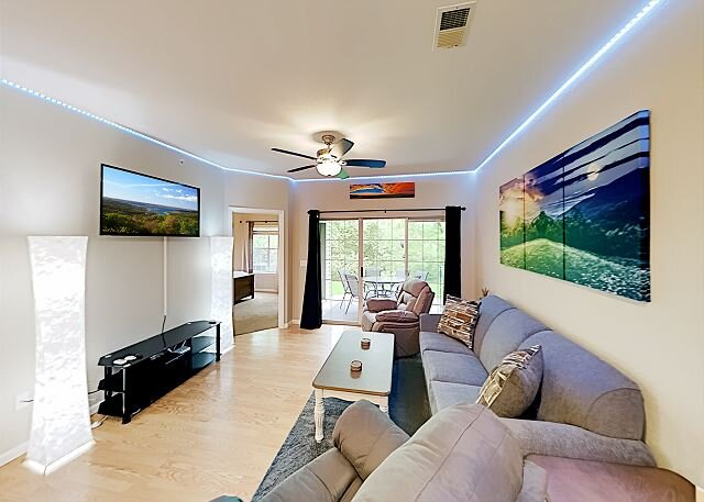 Holiday Hills Resort | Dual Suite | Pools, Hot Tub, Golf | Free Show Tickets, vacation rental in Kissee Mills