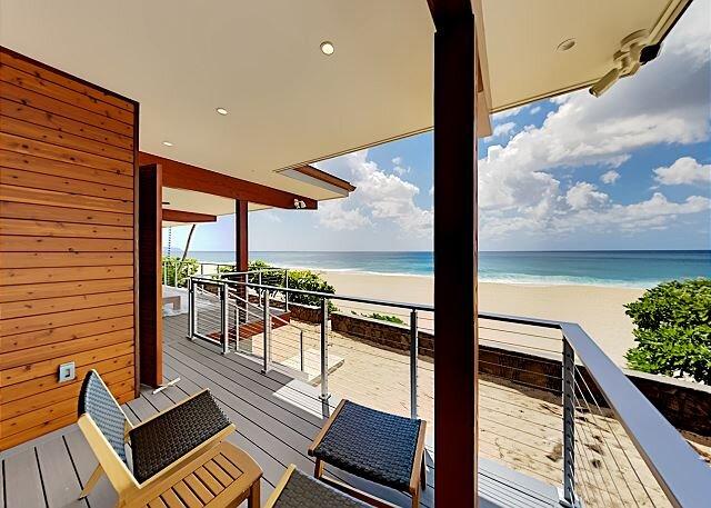 Pipeline En Suite | Beachfront Studio | Private Lanai & Incredible Water View, casa vacanza a Haleiwa