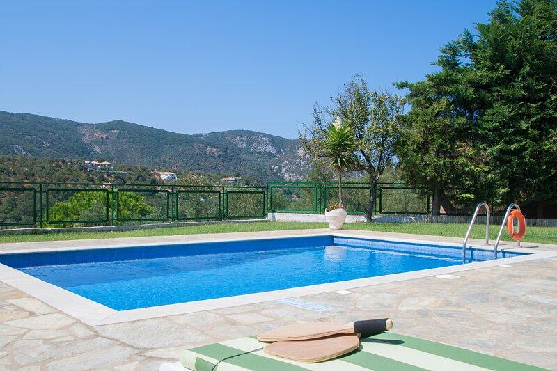 Four Seasons Villas - 'Autumn', holiday rental in Skiathos