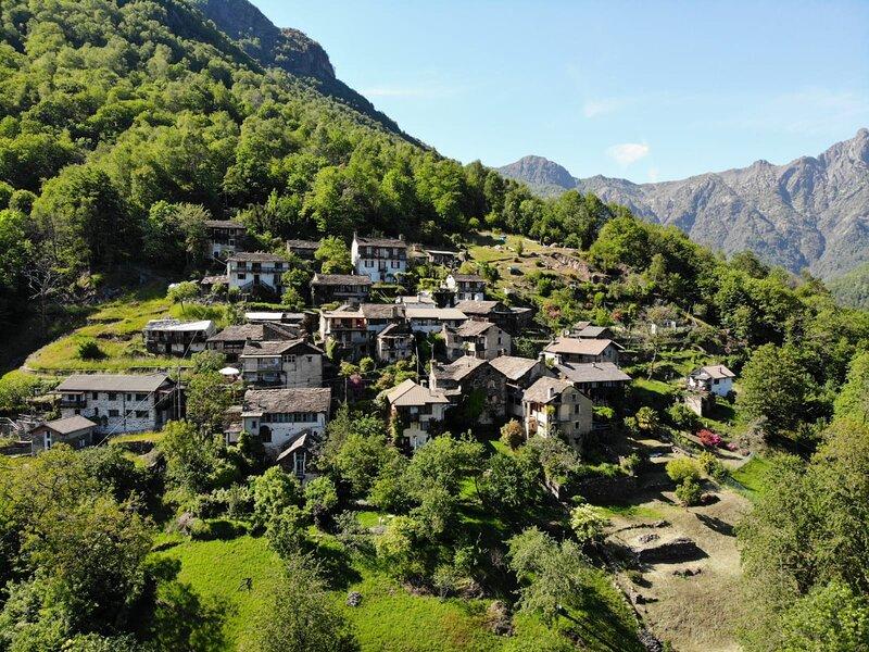 Platz für Familie Freunde kleine Gruppen Bergsicht autofreie Lage in der Natur, casa vacanza a Lunecco