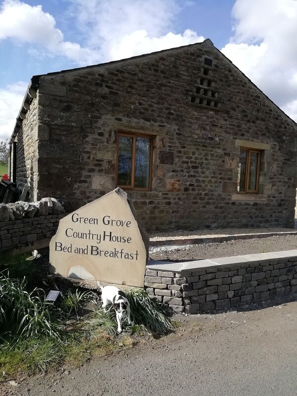 Luxury spacious tranquil self contained stone built cottage for 2 persons, holiday rental in Airton